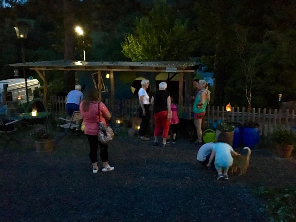 ... Abendstimmung nach der Märchen-Eselwanderung am Stall